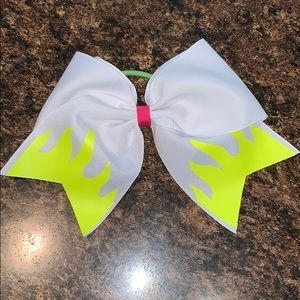 Accessories - White Bow with Yellow Flame